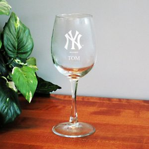 12oz New York Yankees Wine Glasses Personalized With Your Name
