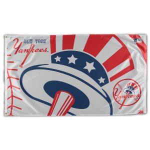 New York Yankees Team Logo Deluxe 3' x 5' Flag