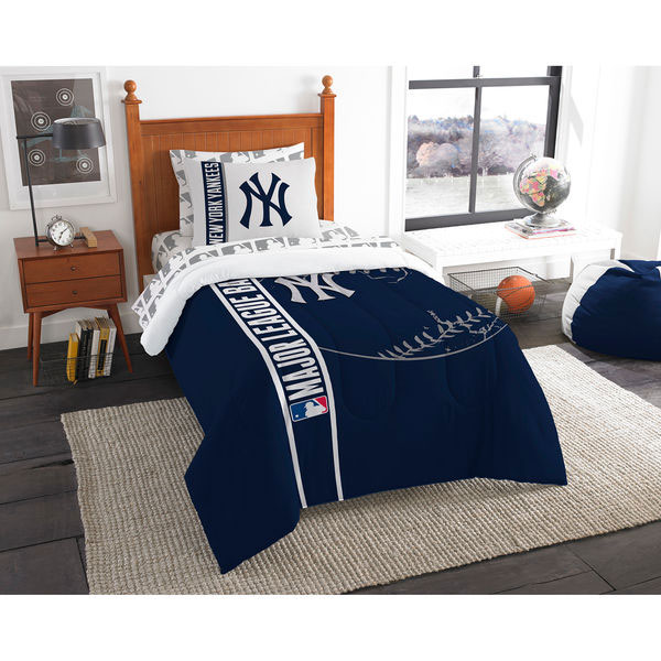New York Yankees The Northwest Company Soft & Cozy 5-Piece Twin Bed in a Bag Set