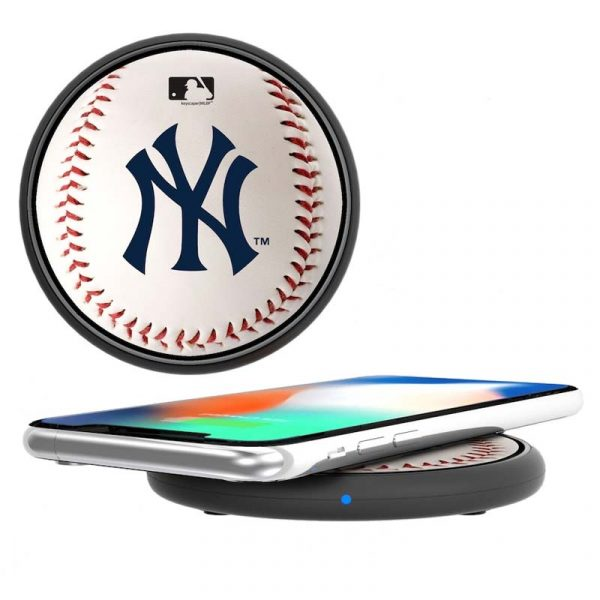 yankees branded wireless mobile charging device